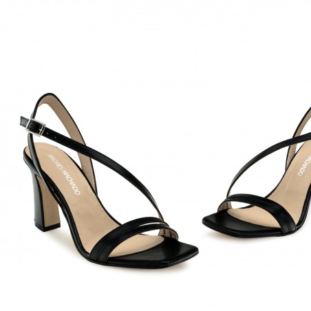 Crossover Heeled Sandals in Black Leather