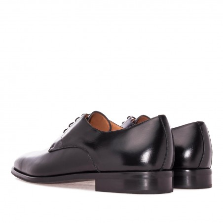 Dress Shoes in Black Leather